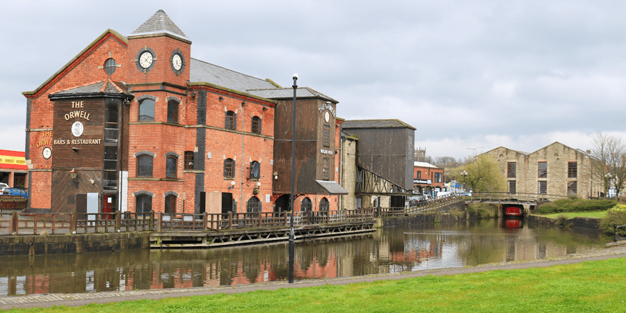 Wigan Pier top of the locks