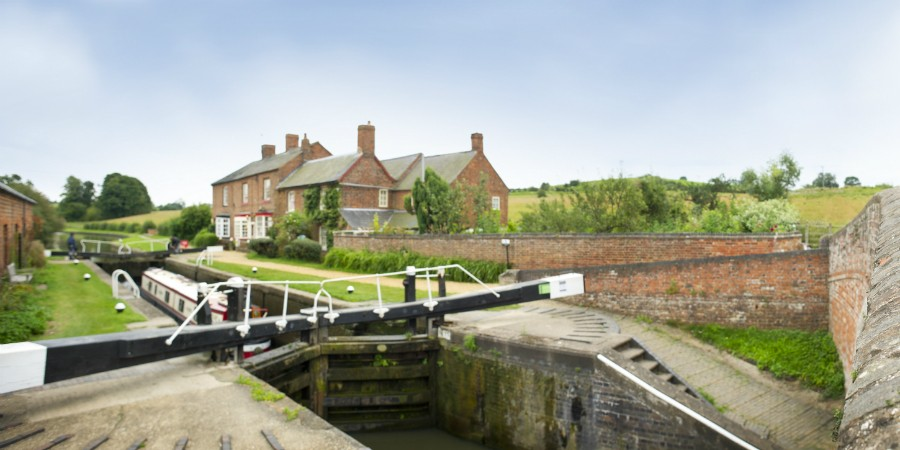 Braunston by the locks