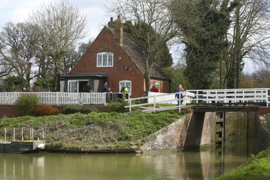 Top lock cafe at Caen Hill