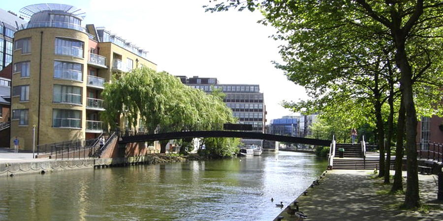 Bridge over the canal in Reading