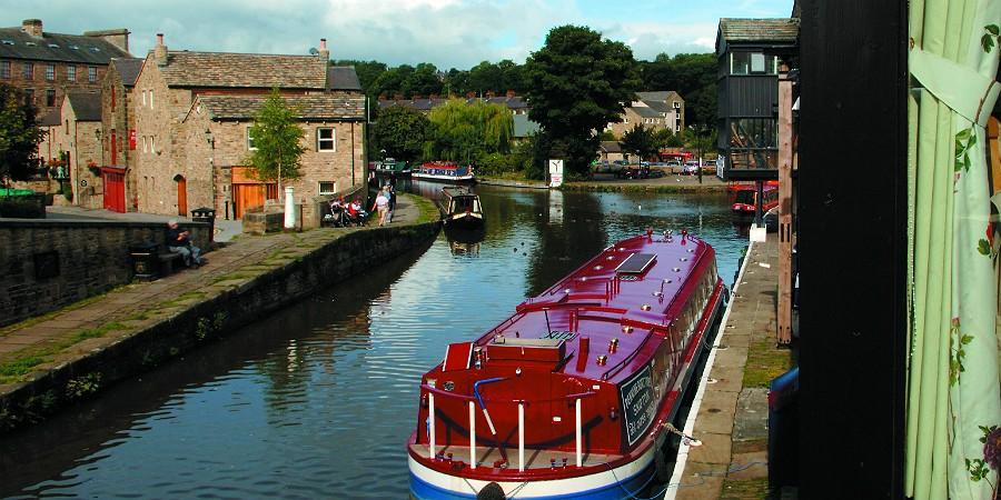 Boat moored in Skipton