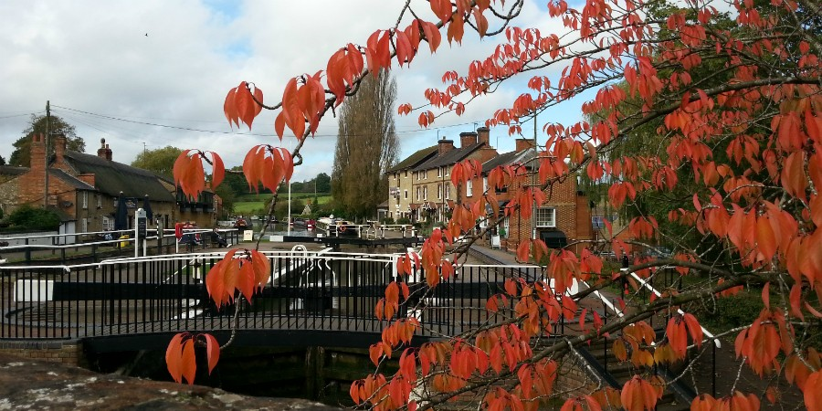 Stoke Bruerne in the autumn