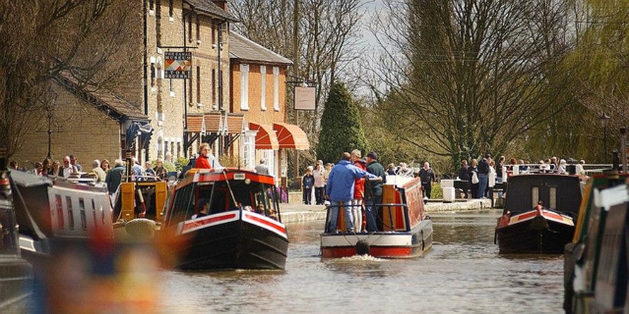 Boating through Stoke Bruerne