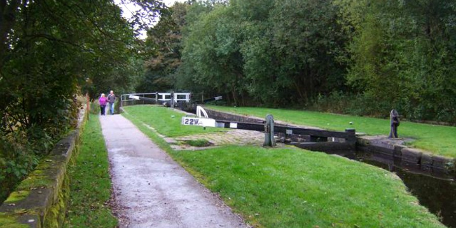 Lock 22 at Uppermill