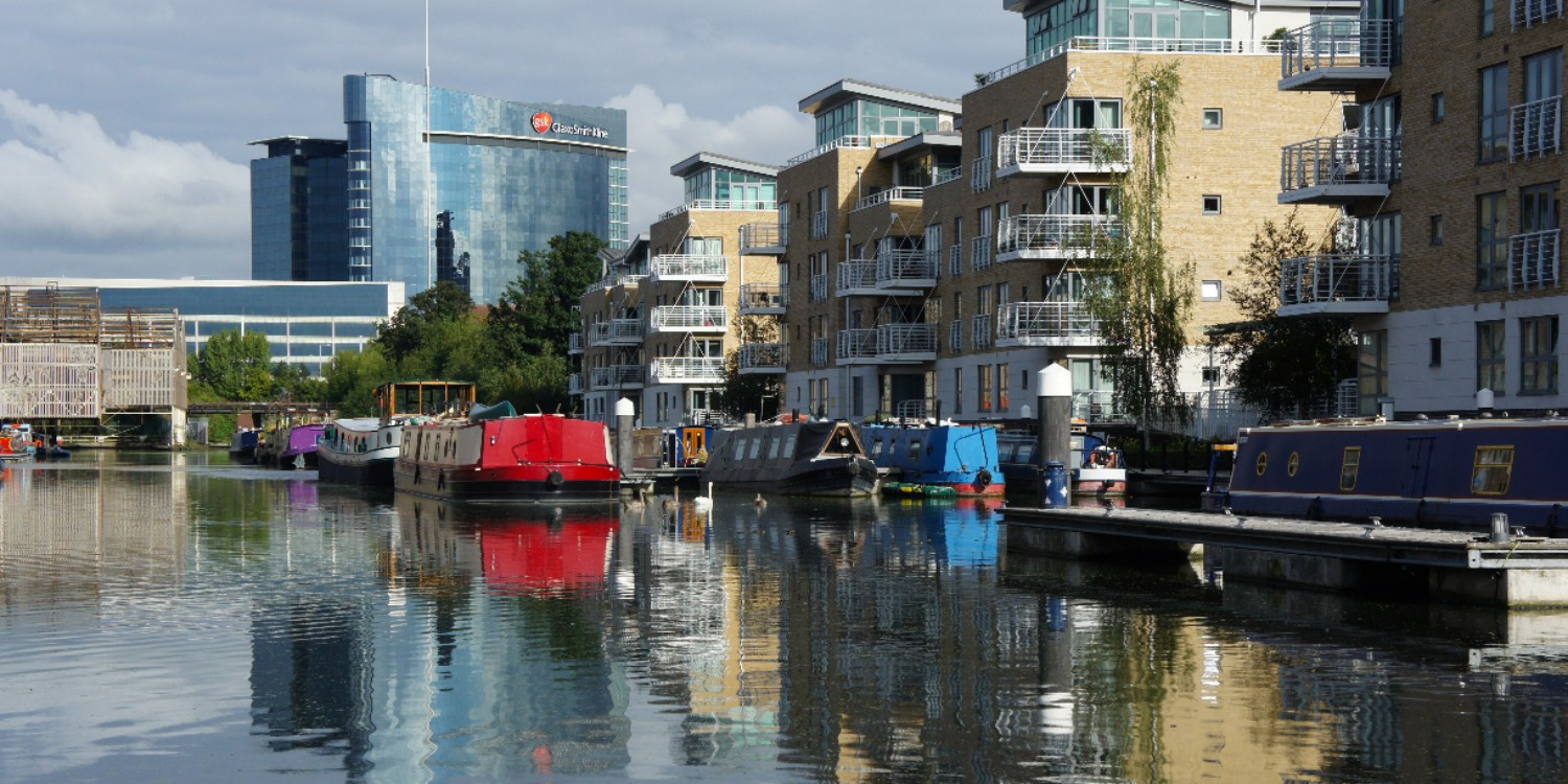 Mooring at Brentford Locks
