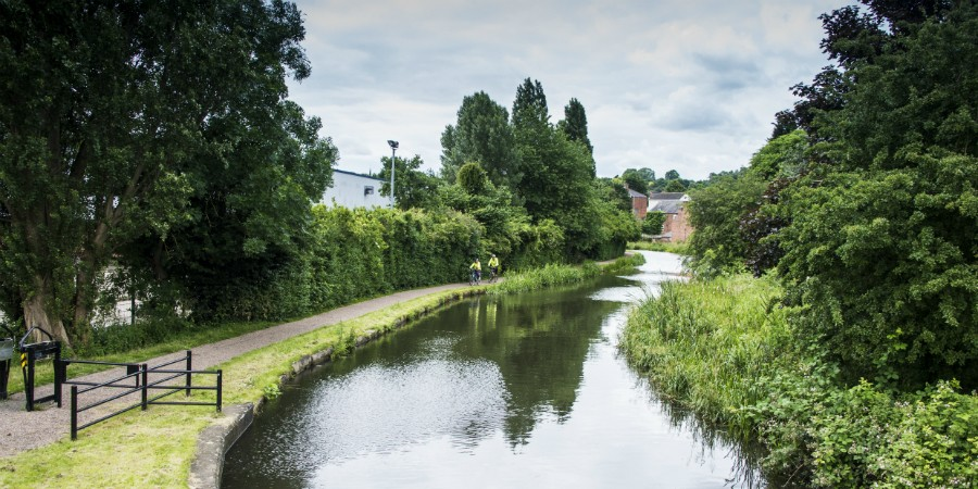 Erewash Canal: a peaceful stretch