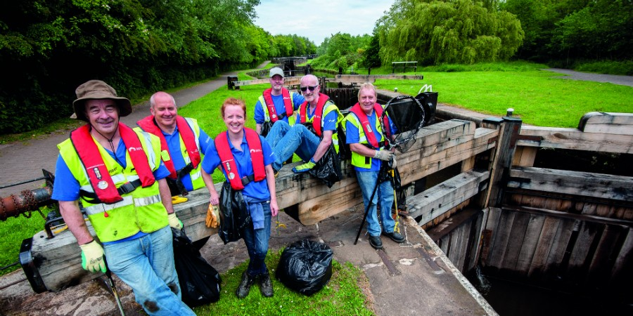 Volunteers at Wigan Locks