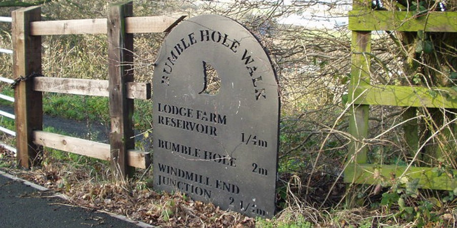 Bumble Hole sign at Windmill End