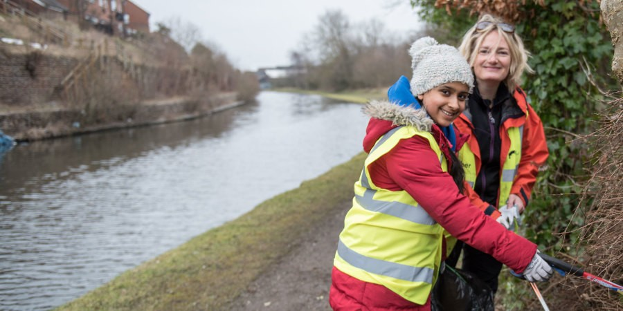 Volunteering by the canal