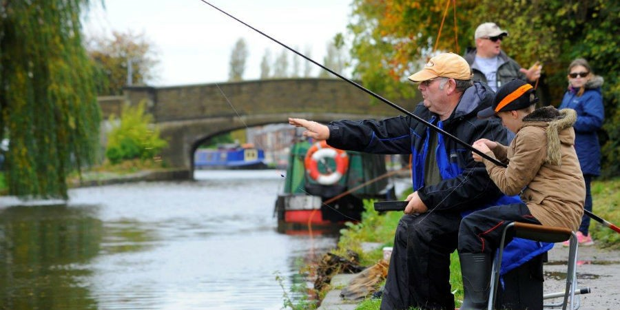 Canal fishing river fishing near me canal river trust for Fishing near me