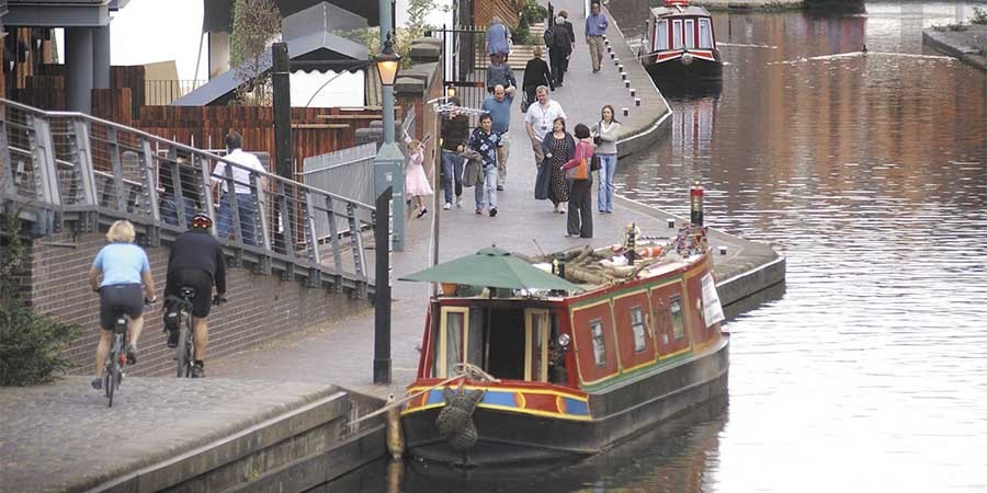Busy towpaths in Birmingham