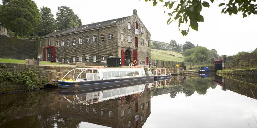 Standedge boat trip and visitor centre