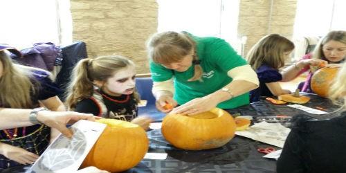 Pumpkin carving class with Canal & River Explorers