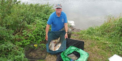 Phil Foster, angler
