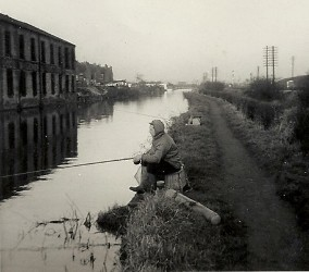 Fishing on the Erewash Canal in the 1940s and 50s