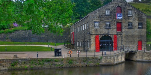 Standedge visitor centre front