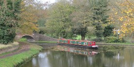 Narrowboat near bridge on Staffordhsire & Worcestershire Canal