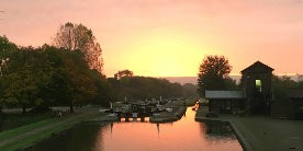 Sun rises over Hatton Locks on the Grand Union canal