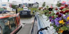 Flowers on a boat Crick 2016