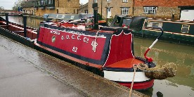 Historic boat Sculptor at Stoke Bruerne