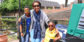 Family visiting the Stourbridge Canal