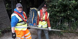 Karen and a fellow volunteer at Towpath Taskforce