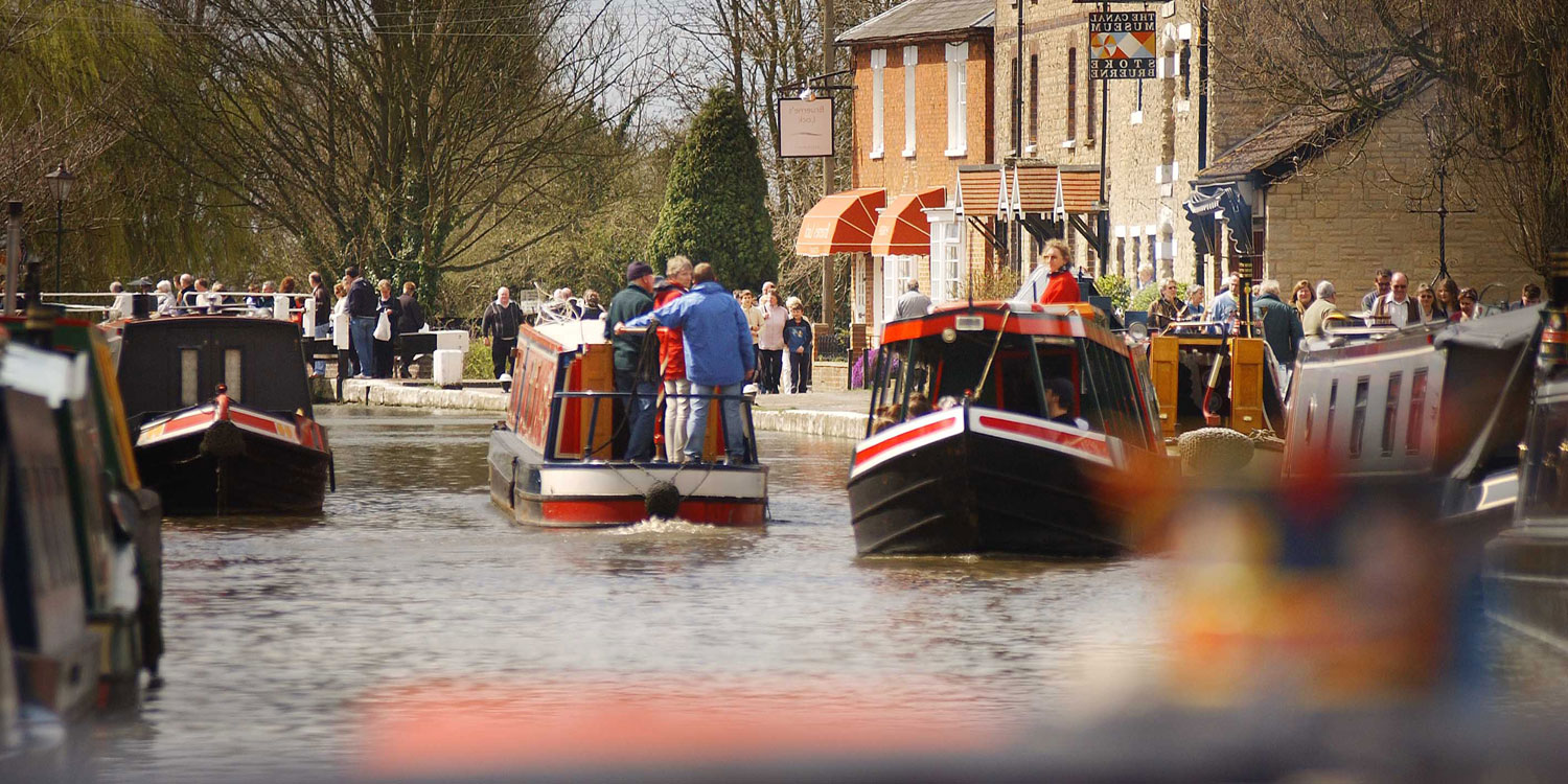 Boats travelling past the Canal Museum