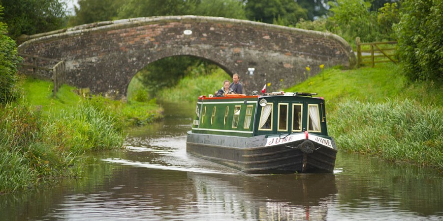 Boating on the Grand Union Canal