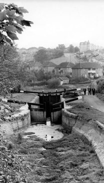 Black and white photo of top lock before restoration