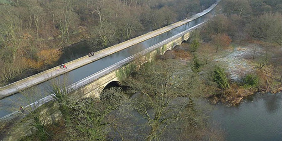 The Seven Arches Aqueduct crossing the River Aire at Dowley Gap.