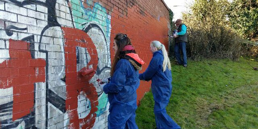 Ashby Canal Cadets tackle graffiti