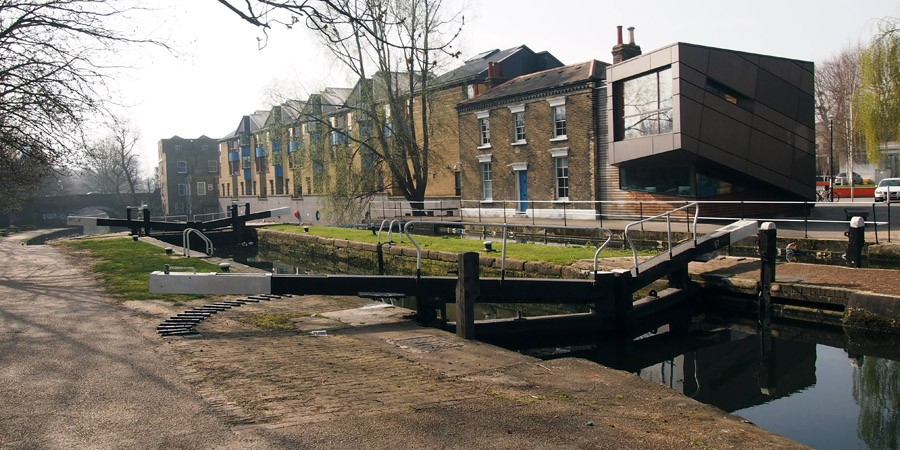 photo of mile end lock