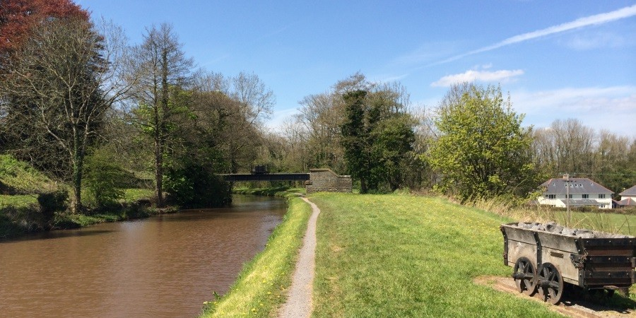 photo of monmouthshire & brecon canal in llangynidr