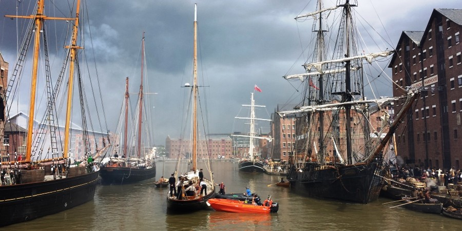 photo of Disney, Alice Through the Looking Glass filming at Gloucester Docks
