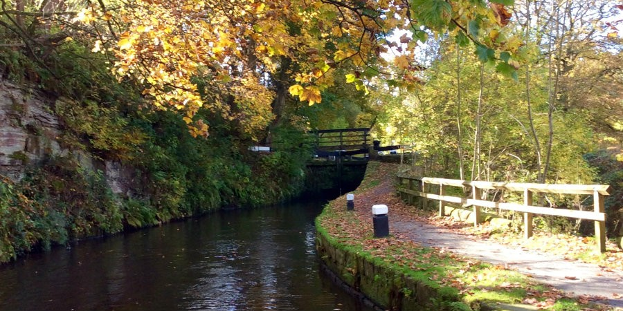 Callis Mill Lock on the Rochdale Canal in autumn