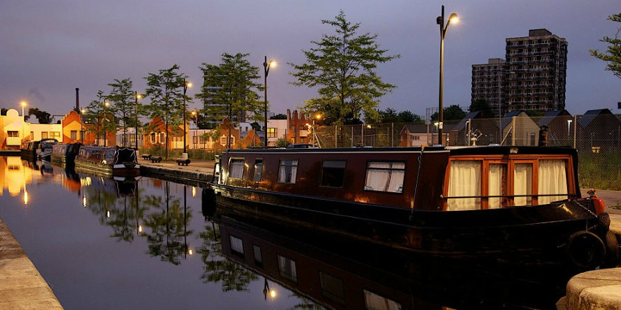 Renting a boat to live on | Canal & River Trust