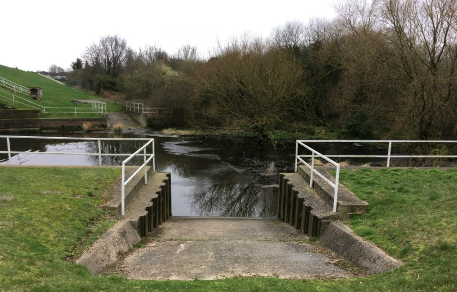 Photo of a slipway at Brent Reservoir