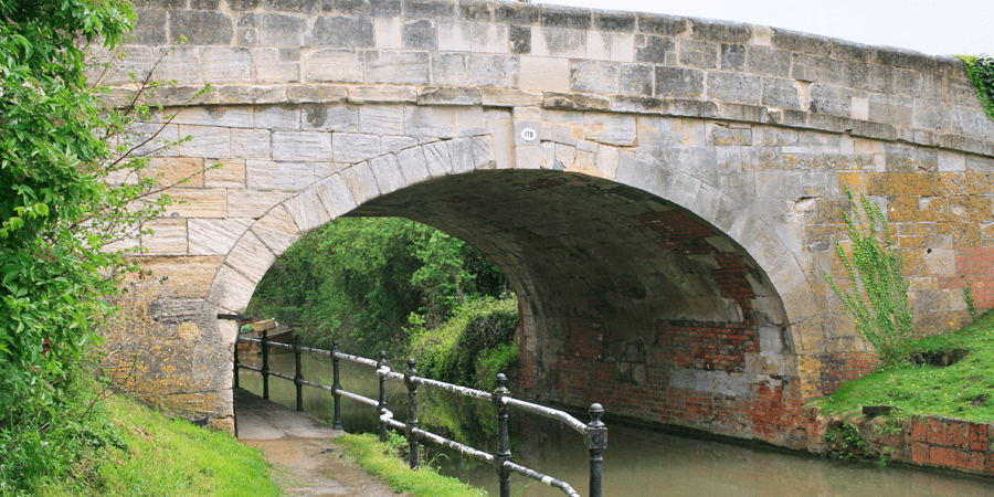 Kennet and Avon bridge