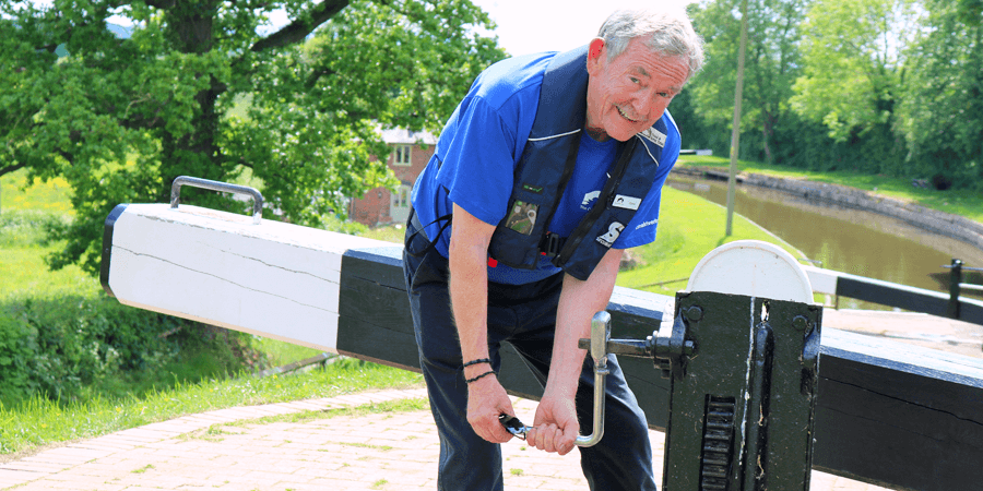 Volunteer lockkeeper at Frankton