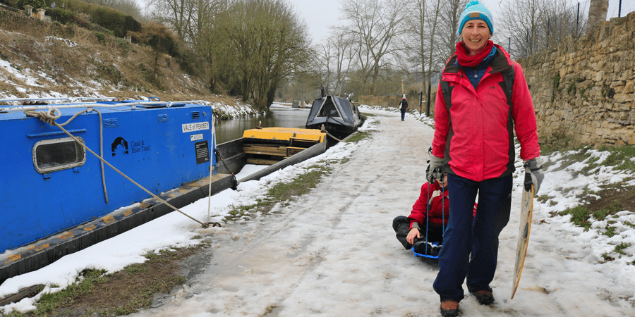 Snow on the Kennet & Avon Canal