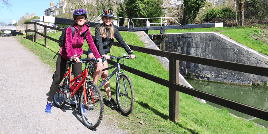 Family cycle ride along the Kennet & Avon Canal