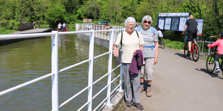Pat and Ann on the Kennet & Avon Canal