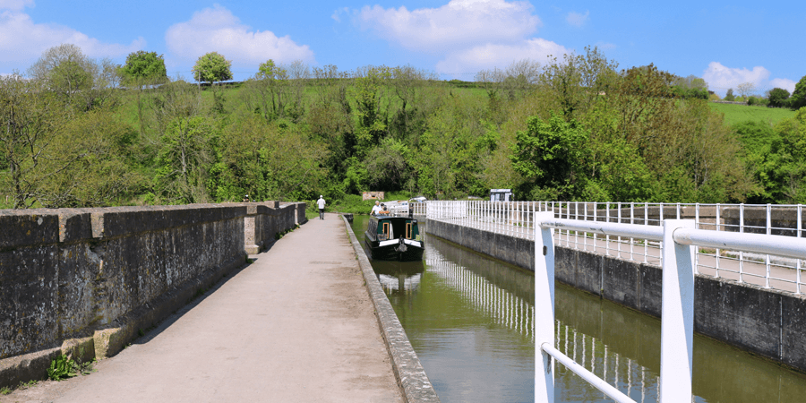 Walking over the Avoncliff Aqueduct