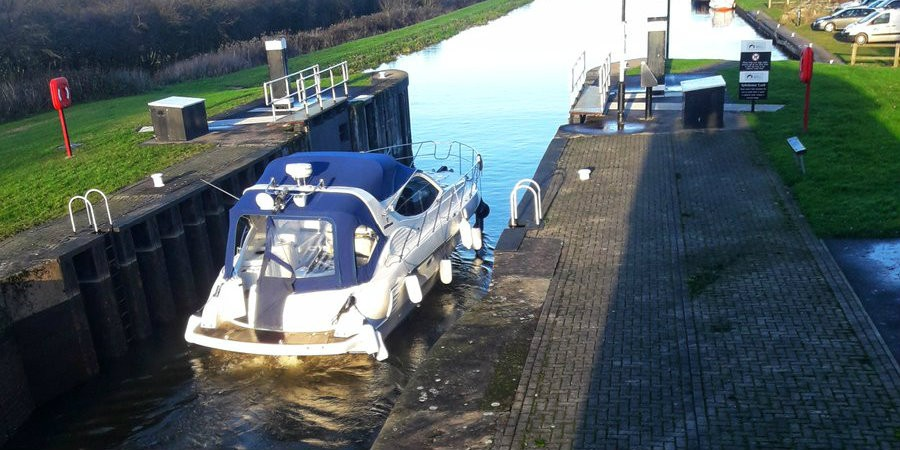 Cabin Cruiser on the New Junction Canal