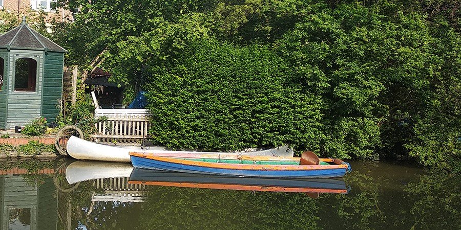 Colourful boat courtesy of Jasper Winn