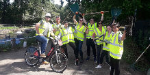 Volunteers from Accenture at Lea Bridge