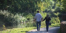 Couple walking Monkton Combe, Kennet & Avon Canal res id 12748