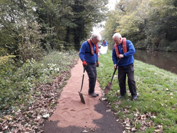 Wolverley towpath re-surface by John Foale