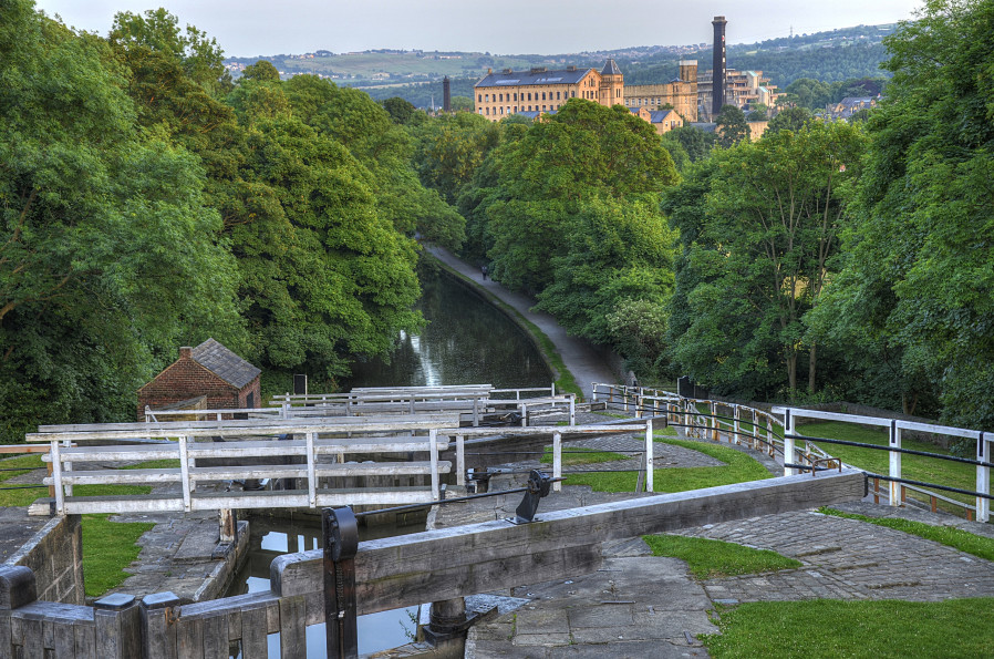 Bingley Five Rise Locks, Evening at the top of the Bingley Five Rise Locks, West Yorkshire. by Andrew Hutchinson